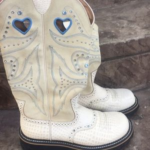 "Ariat woman's ""bling bling"" cowboy boots"
